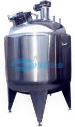 Insulated Vessels Storage Tank in The Food Beverage Manufacturing Process